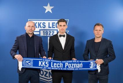 Filip Marchwiński (w środku)