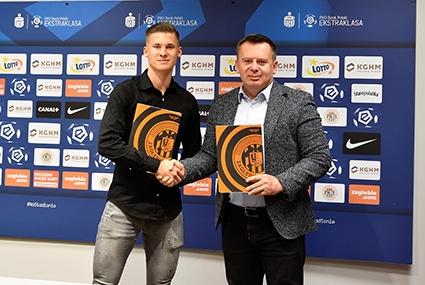 Jakub Bednarczyk po podpisaniu kontraktu z Zagłębi