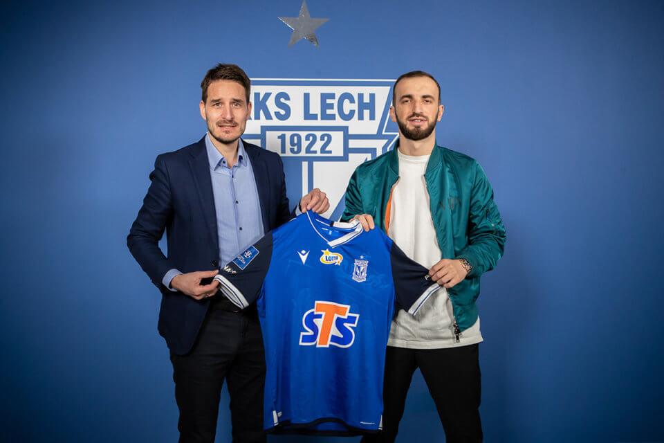 Nika Kvekveskiri z prezesem Lecha